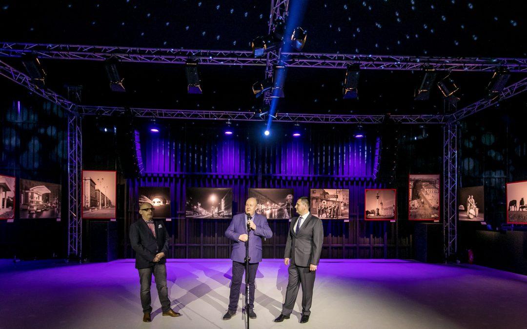 Uroczyste otwarcie wystawy fotografii Janusza Czarneckiego